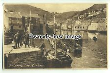 tp9331 - Cornwall - Fishermen with Catch on Jetty in Polperro Harbour - postcard