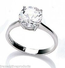 Beautiful 9ct White Gold 8mm Round Cubic Zirconia Solitaire Ring