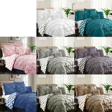 7 Pce Pinch Pleat Reversible Comforter + 2 Pcases + 2 Eurocases + 2 Cushions