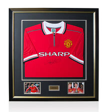 Framed Ryan Giggs Hand Signed Manchester United Shirt - 1999 Home Shirt