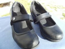 CROCS WOMANS GINGER MARY JANE BLACK 6W 10205 WAITRESS/BARTENDER SLIPPROOF COMFOR