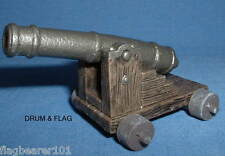 SAFARI LTD - NAVAL CANNON. PIRATES ETC... PAINTED PLASTIC. 85 X 55 X 55mm