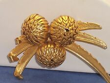 Vintage Gold Tone Metal Chrysanthemum Flower Brooch Pin Great Depth & Quality