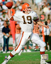 Bernie Kosar Cleveland Browns NFL Action Photo SD110 (Select Size)