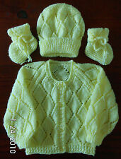 SZ 000 LEMON 3 piece BABY SET HAND KNITTED BRAND NEW