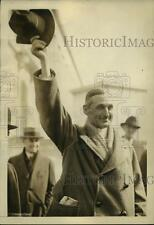 1924 Press Photo William Gibbs McAdoo Waving After Senate Teapot Dome Hearing
