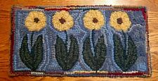 POSIE ROW  Primitive Rug Hooking Kit with #8 Cut Wool Strips