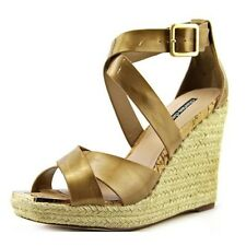 NIB CHARLES BY CHARLES DAVID OLYMPIA GOLD PATENT LEATHER WEDGE SANDALS 6.5 or 7