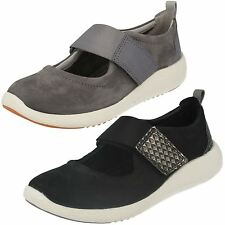 Ladies Clarks Leather  Casual Shoes Style - Cowley Folly