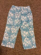ERIK STEWART WOMANS STRETCH BLUE & WHITE FLORAL CAPRI PANTS SIZE 4 & 8 - NEW