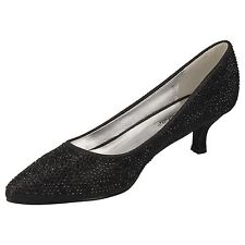 Ladies Black Court Shoe With Kitten Heel F9811