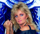 Bonnie Tyler UNSIGNED photo -K3075 Total Eclipse of the Heart & It's A Heartache