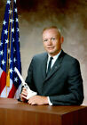 Neil Armstrong UNSIGNED photo - K3302 - Astronaut & first person to walk on moon