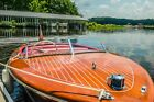1946 Chris Craft 17ft Deluxe Runabout