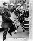 1964 CLEVELAND POLICE CIVIL RIGHTS PROTEST GIRL ARRESTED PHOTO