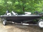 1998 Trition TR19 Bass Boat