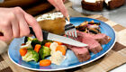 """4 SERRATED STEAK KNIVES RADA S4S / G24S MADE IN USA """"NEAT HOUSEWARMING GIFT"""""""