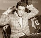 "ELVIS PRESLEY 1960 = Combing Hair LOOKING AT CAMERA = POSTER = 7 SIZES 19"" - 36"""
